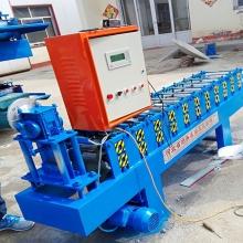 河北鑫强供应高速彩钢扣板机,高速c84扣板机,扣板机价格扣扳机厂家直销